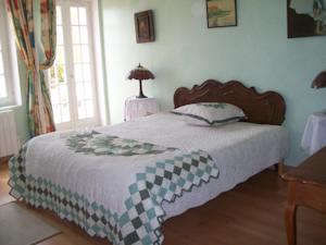 Chambres d'hotes/B&B Le Feuilleret Bed & Breakfast : Chambre Double Standard