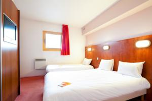 Hotel ibis budget Chilly-Mazarin Les Champarts : Chambre Triple avec 3 Lits Simples