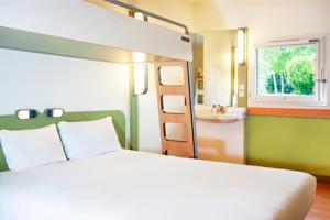 Hotel ibis budget Flers Grands Champs : Chambre Triple (2 Adultes)