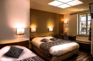 Hotel Le Cheval Rouge : Chambre Triple
