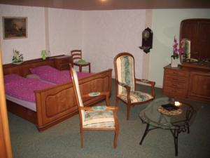 Chambres d'hotes/B&B Grange d'Anjeux Bed & Breakfast : Chambre Triple