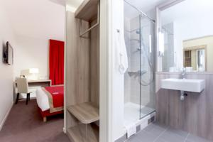 Hotel Kyriad Versailles - St Cyr l'Ecole : Chambre Double