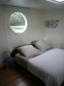 Chambres d'hotes/B&B Peniche Ophrys : Chambre Double - Vue sur Canal