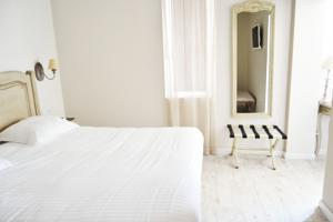 Hotel The Originals Les Poemes de Chartres (ex Inter-Hotel) : Chambre Triple