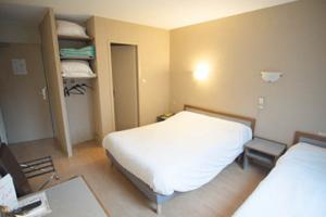Hotel le Thurot : Chambre Triple - 1 Lit Double & 1 Lit Simple