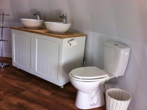 Chambres d'hotes/B&B Chateau Celle Guenand : Chambre Double Deluxe avec Douche