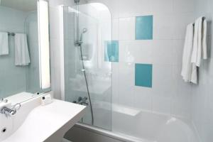 Hotel Holiday Inn Lille Ouest Englos : Chambre Familiale