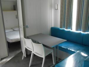 Hebergement camping chasselouve : photos des chambres
