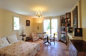 Chambres d'hotes/B&B Agacey : Studio Lit King-Size