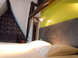 Hotel ibis Styles Amiens Cathedrale : Chambre Double Standard avec Canapé