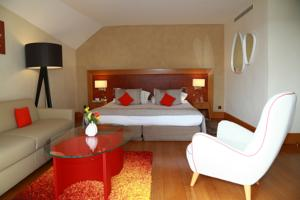 Hotel La Cote Saint Jacques : photos des chambres