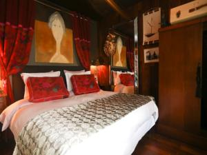 Chambres d'hotes/B&B SweetHOME Lacroute&Buffet Maison d'Hotes & Spa : photos des chambres