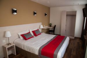 Hotel The Originals Dreux Ouest Le Relais des Carnutes (ex Inter-Hotel) : Chambre Double Grand Confort