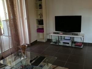 Appartement Sweet Home Apartment : photos des chambres