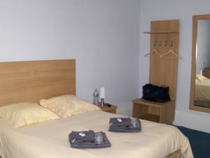 Hotel La Tour de Crecy : photos des chambres