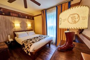 Disney's Hotel Cheyenne® : Chambre Woody's Roundup Standard (4 Adultes)
