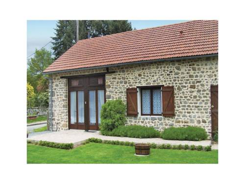 Holiday Home St Dizier Leyrenne with Fireplace I : Hebergement proche de Saint-Vaury