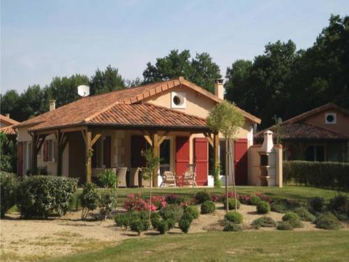Holiday home Les Forges with Outdoor Swimming Pool 397 : Hebergement proche de Lusignan