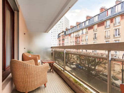 Welkeys - Nélaton : Appartement proche de Courbevoie