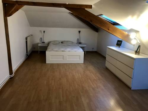 "Lovely rooftop ""pied-a-terre"" to Paris & St-Denis : Appartement proche de Sarcelles"