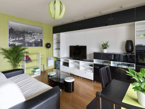 Welkeys - Saint-Just Apartment : Appartement proche d'Aubervilliers