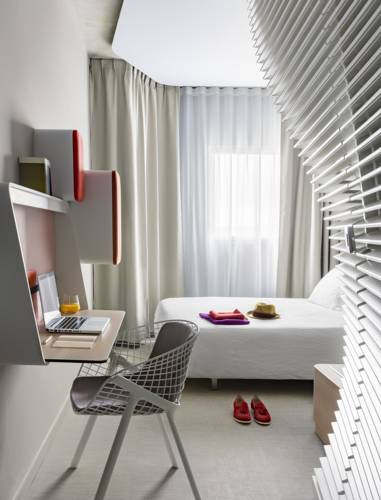 okko hotels bayonne centre hotel bayonne 64100. Black Bedroom Furniture Sets. Home Design Ideas