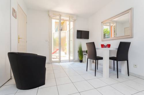 The Market - Trendy Studio with Terrace : Appartement proche de Nice