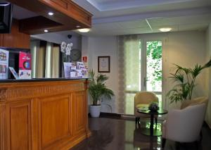 Hotel The Originals Paris Sud Orly-Draveil (ex Inter-Hotel) : photos des chambres