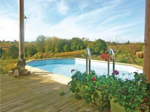 Hebergement Holiday home Mombrier with Outdoor Swimming Pool 333 : photos des chambres