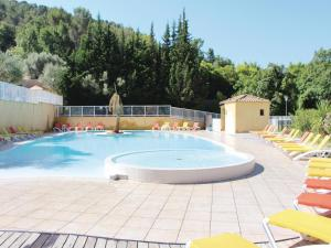 Hebergement One-Bedroom Holiday Home in Solies-Toucas : photos des chambres