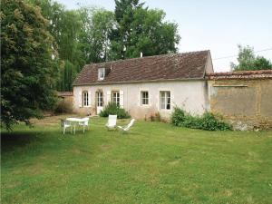 Hebergement Holiday Home St. Jean Aux Amognes with a Fireplace 08 : photos des chambres