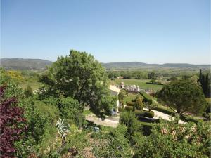 Hebergement Three-Bedroom Holiday Home in Roujan : photos des chambres