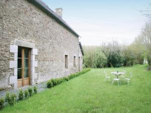 Hebergement Two-Bedroom Holiday Home in La Lacelle : photos des chambres