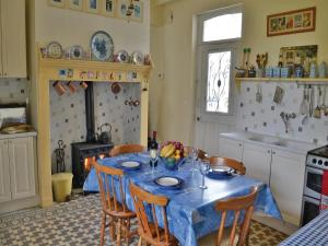 Hebergement Holiday Home Cheriennes with a Fireplace 07 : photos des chambres