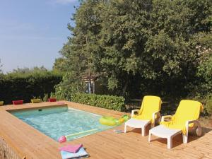 Hebergement Holiday home Mornas 15 with Outdoor Swimmingpool : photos des chambres