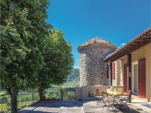 Hebergement Three-Bedroom Holiday Home in Flaviac : photos des chambres