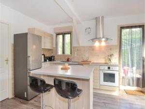 Hebergement Two-Bedroom Holiday Home in Savignac-Les-Eglises : photos des chambres