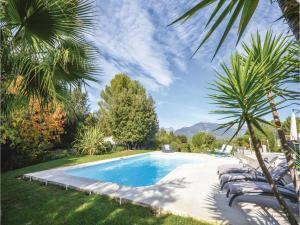 Hebergement Five-Bedroom Holiday Home in Valbonne : photos des chambres