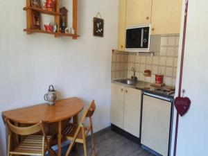 Appartement Apartment Edelweiss 4 : photos des chambres