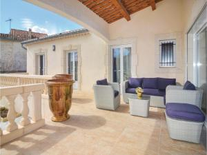 Hebergement Three-Bedroom Holiday Home in Barjac : photos des chambres