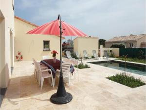 Hebergement Five-Bedroom Holiday Home in Roujan : photos des chambres
