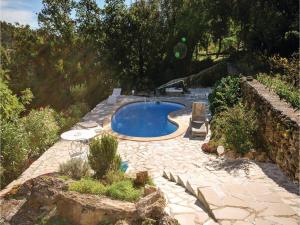 Hebergement Holiday home St Anastasie s Issoles 45 with Outdoor Swimmingpool : photos des chambres