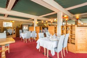 La Tour Hotel-Restaurant : photos des chambres