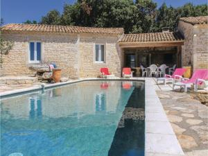 Hebergement Five-Bedroom Holiday Home in Le Garn : photos des chambres