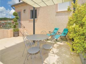 Hebergement One-Bedroom Holiday Home in Barjac : photos des chambres