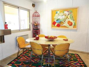 Hebergement Three-Bedroom Holiday Home in Beziers : photos des chambres