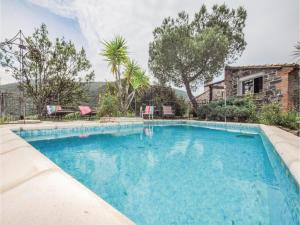 Hebergement Five-Bedroom Holiday Home in Rigarda : photos des chambres