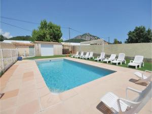 Hebergement Four-Bedroom Holiday Home in Hyeres : photos des chambres