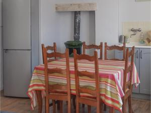 Appartement One-Bedroom Apartment in Barjac : photos des chambres