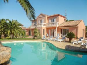 Hebergement Five-Bedroom Holiday Home in Cers : photos des chambres